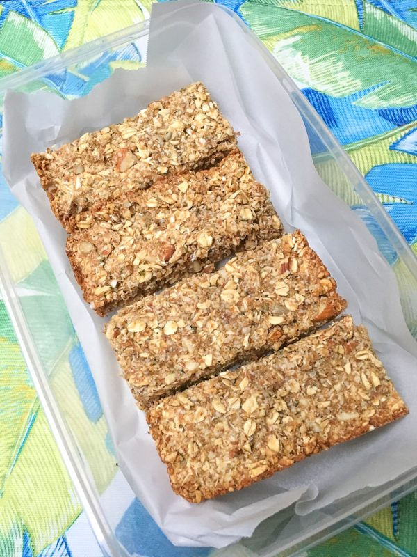 homemade granola bars, healthy granola bars, granola bar recipe, weight loss, healthy cookbook, clean eating, non-processed food, HIIT workouts, at-home workout, quick and easy recipe, healthy recipe, food guides
