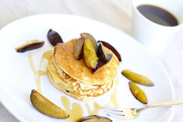 pancakes, breakfast, gluten free, quick and easy recipe, healthy recipe, food guides, fruit and granola, yogurt parfait, healthy breakfast, weight loss, healthy cookbook, clean eating, non-processed food, HIIT workouts, at-home workout
