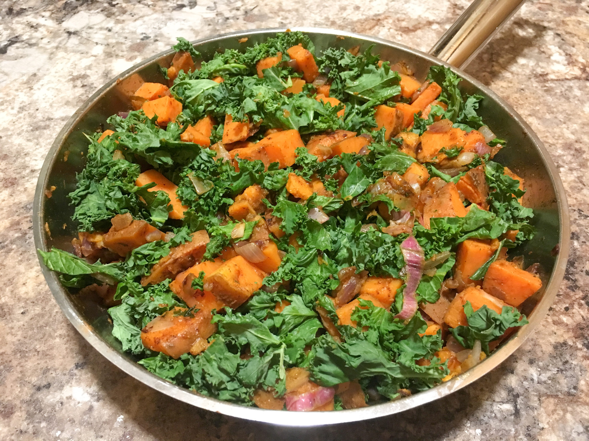 one-pot recipe, sweet potato skillet, easy cleanup side dish, sweet potato and kale recipe, delcious kale recipes, full for life, fullforlife, skillet recipes