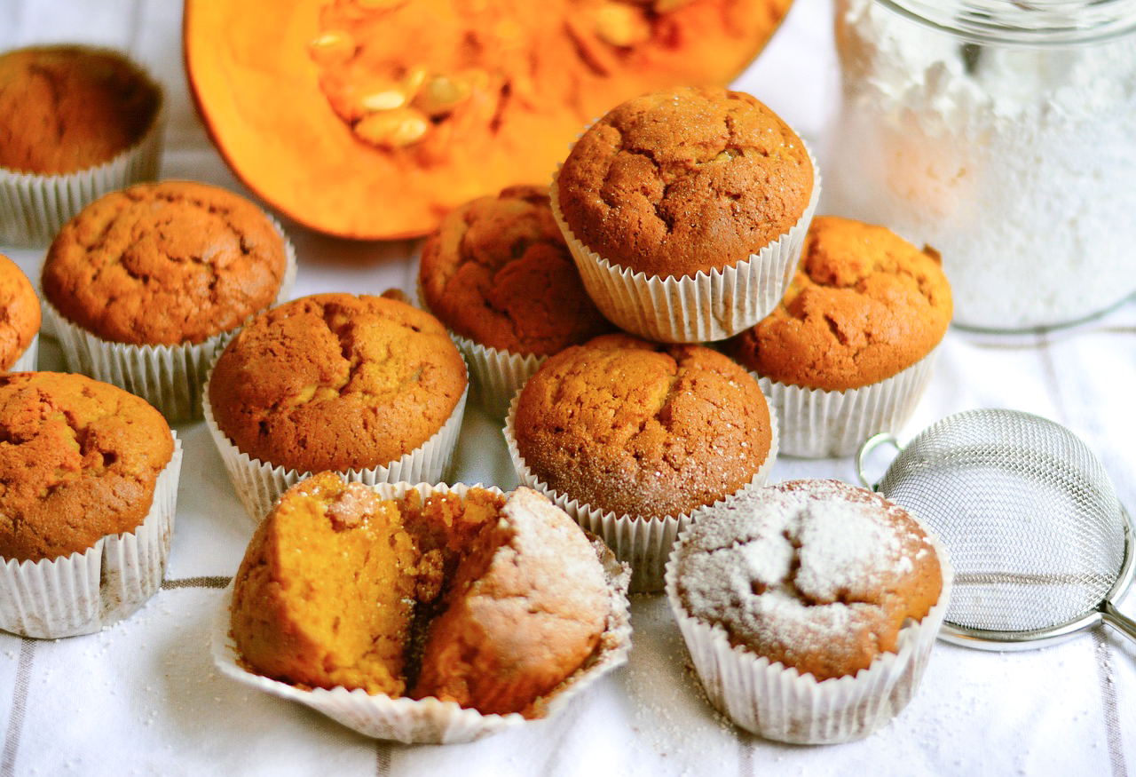 Bakery-Style Pumpkin Spice Muffins