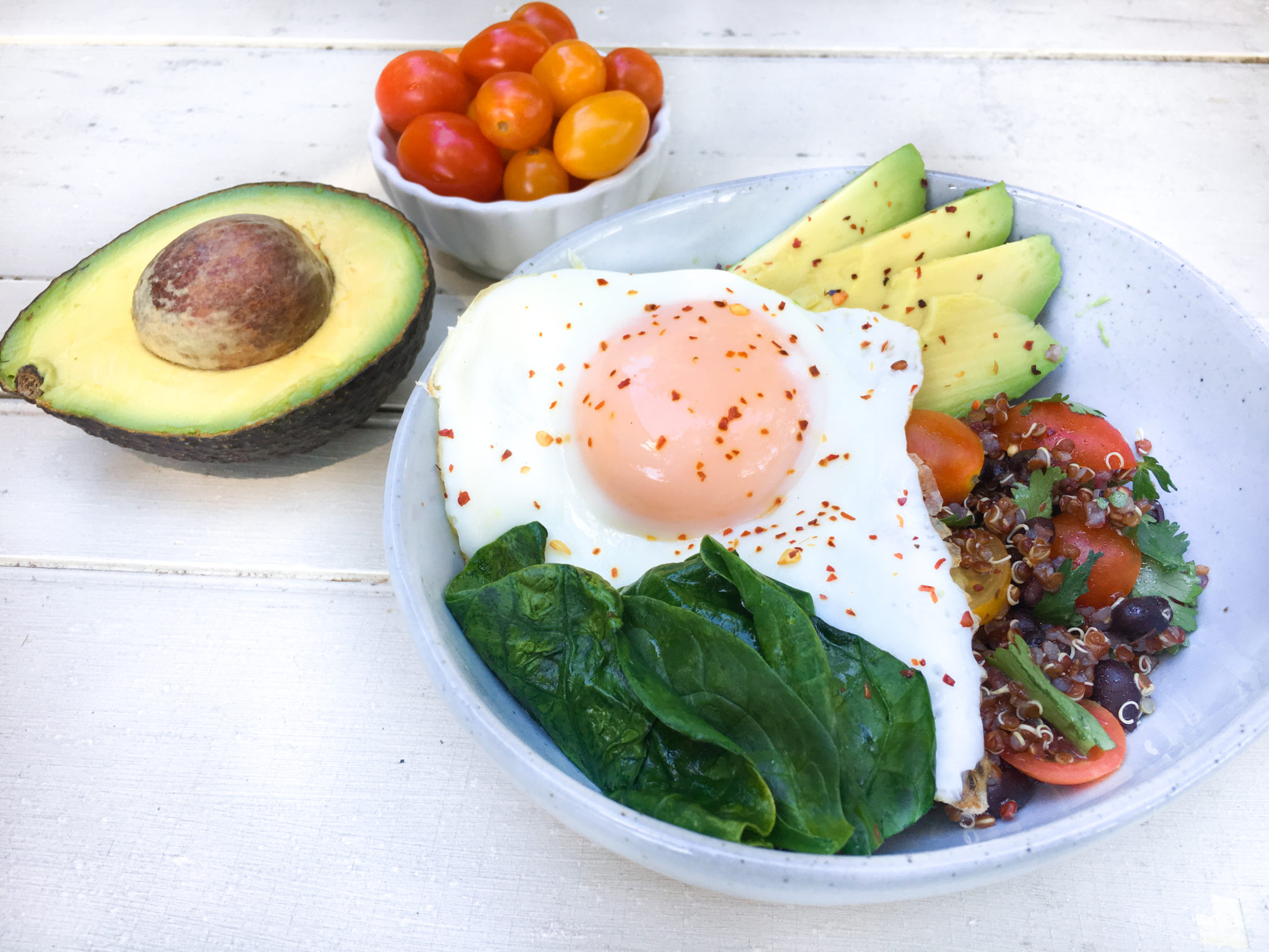 Energy Boosting Quinoa, Egg and Avocado Breakfast Bowls