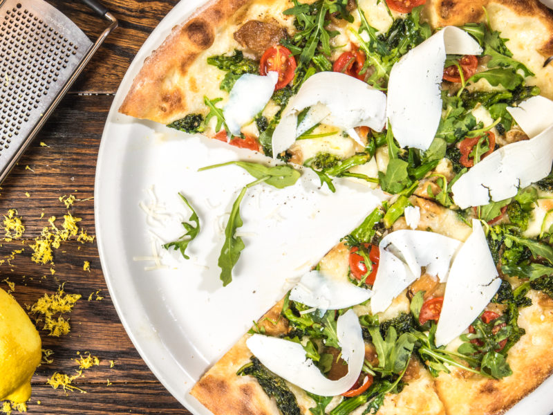 How to Throw a Homemade Pizza Party (healthy + family-friendly)
