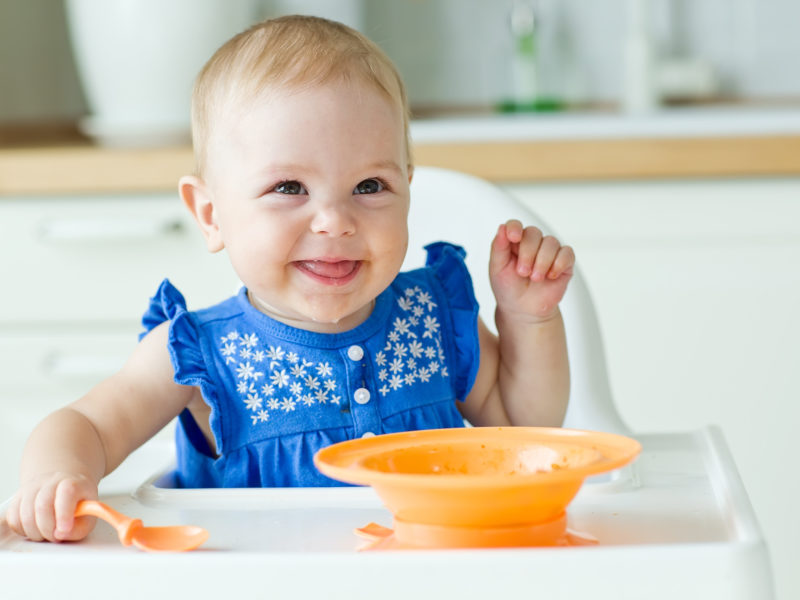 Babies' First Foods (What to Choose & How to Puree Your Own Baby Food)